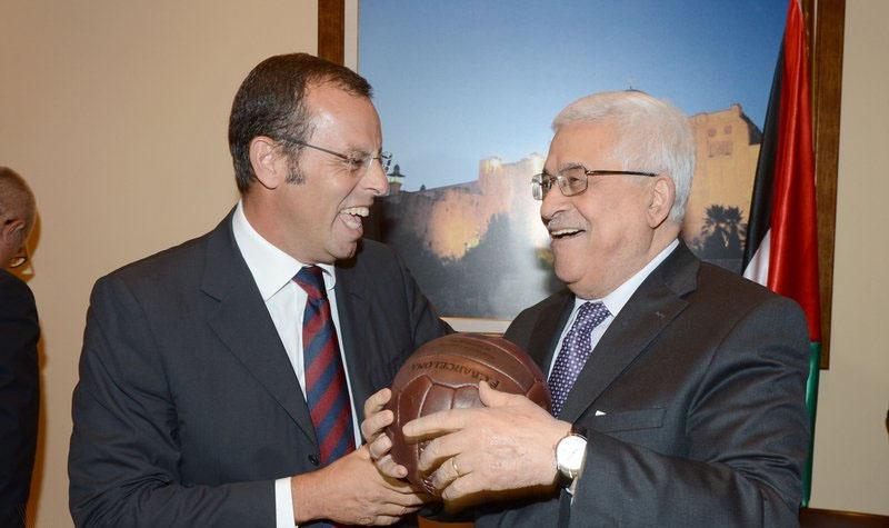 الرئيس محمود عباس ورئيس نادي برشلونه