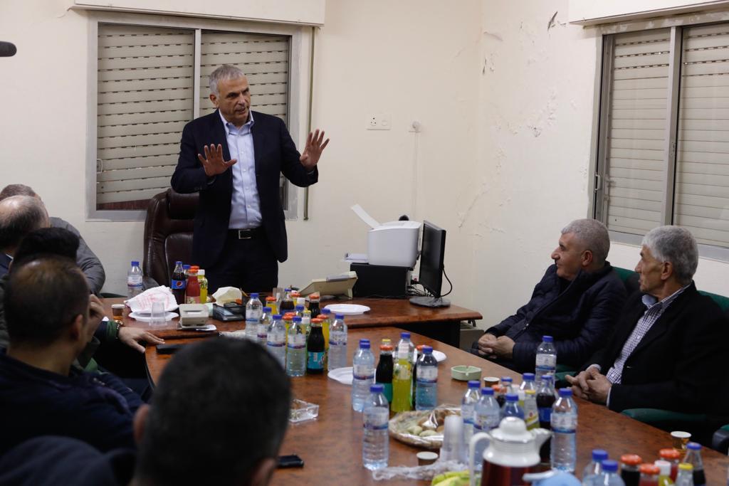 Photo of اكثر من 40 بلدة عربية حظي سكانها بتخفيض ضريبي بفضل كحلون