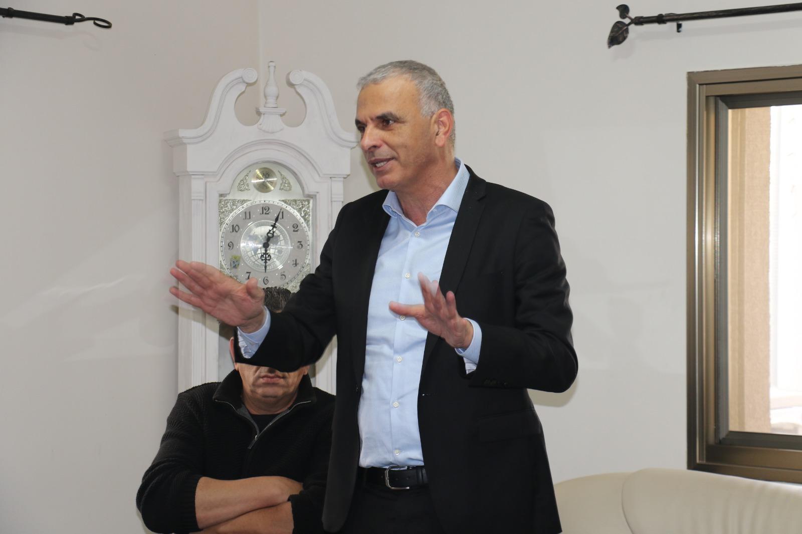 Photo of برنامح موشي كحلون لدعم أصحاب المصالح الصغيرة
