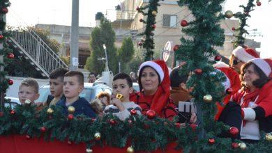 صورة الناصرة: مشاركة واسعة في مسيرة الميلاد التقليدية